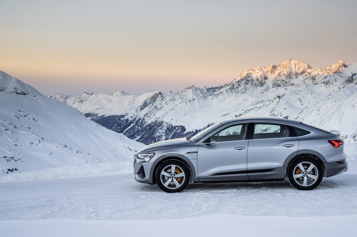 Audi e-tron im Winter
